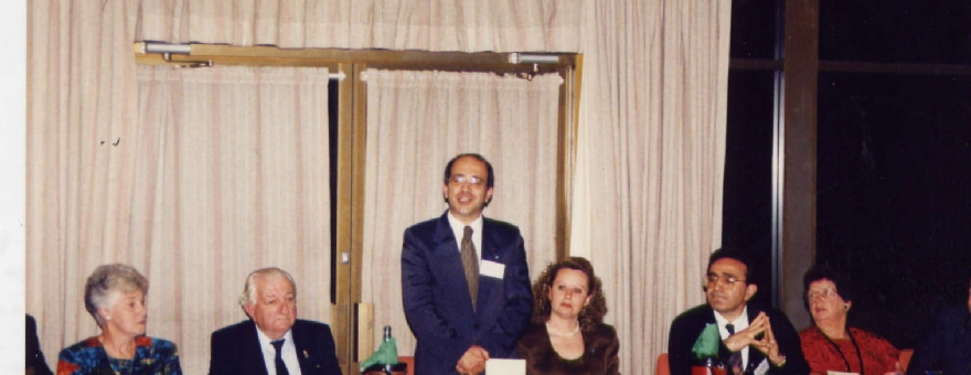 Melbourn Commonwealth'in verdiğ yemek 18.04.1993
